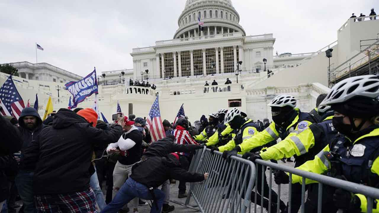 Oath Keeper Is 1st Suspect To Plead Guilty In Capitol RiotNews 9